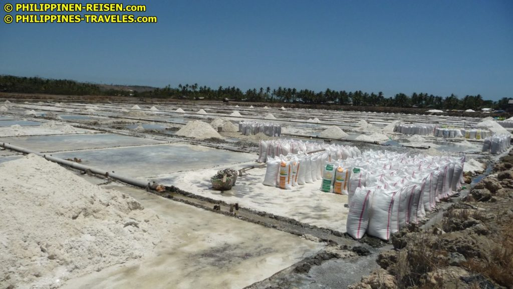 Sights and Sounds of Cagayan de Oro City - Northern Mindanao - Salt Makers in Alubijid in Misamis Oriental Image: Sir Dieter Sokoll KR