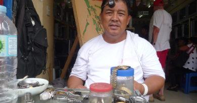 SIGHTS E& SOUNDS OF CAGAYAN DE ORO CITY - Street Watch Repair Shop Photo & Video by Sir Dieter Sokoll KR