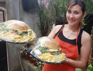 SIGHTS OF CAGAYAN DE ORO CITY & NORTHERN MINDANAO - Christiene's Giant Beef-Burgers
